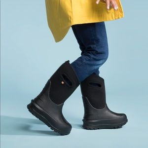 BOGS Neo-Classic Solid Boots.